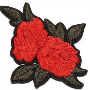Tygmärke dubbla röda rosor