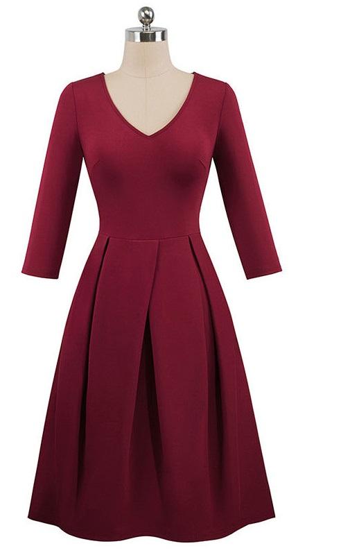Vinröd klänning med fickor