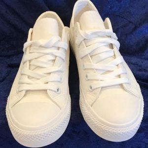 Vita tygskor sneakers