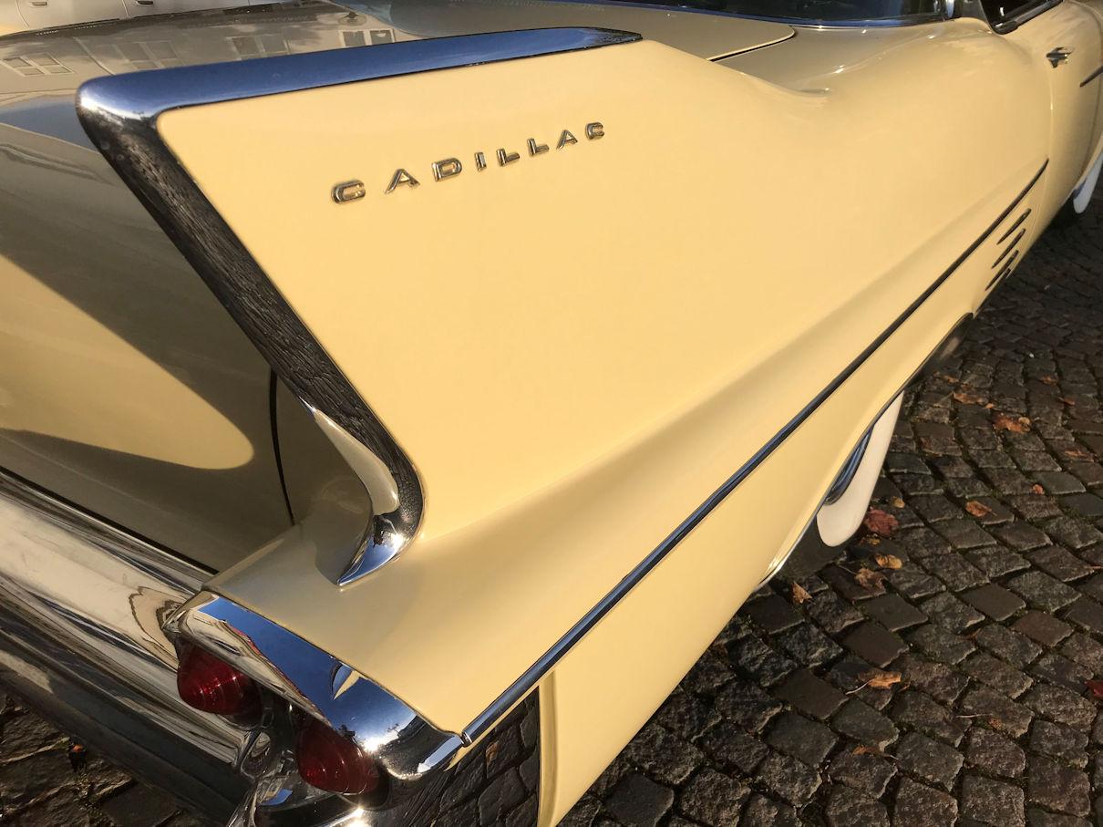 Gul chevrolet Cadillac