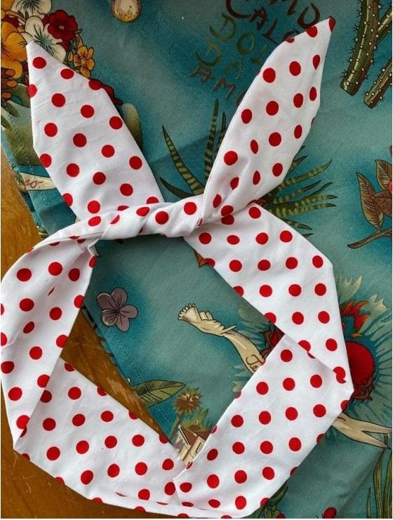 bandana hårband vit röd prick
