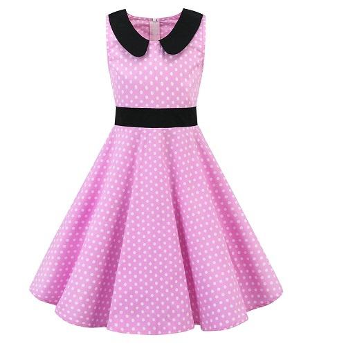 rosa barnklänning med svart krage