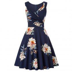 Marinblå blommig klänning