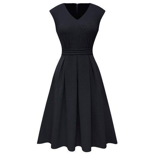 Svart a linjeformad klänning retro